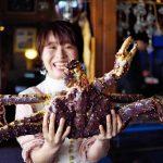 【北海道ミライノート×Domingo】大きな蟹を持つ女の子など