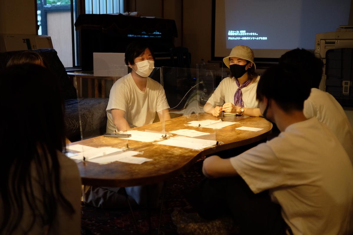 北海道大学の学生たちと